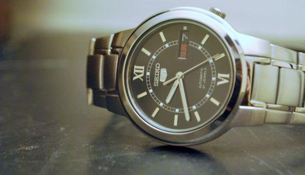 Một mẫu đồng hồ seiko 5 automatic