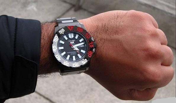 đồng hồ seiko 5 sport và tiện ích cho bạn 1