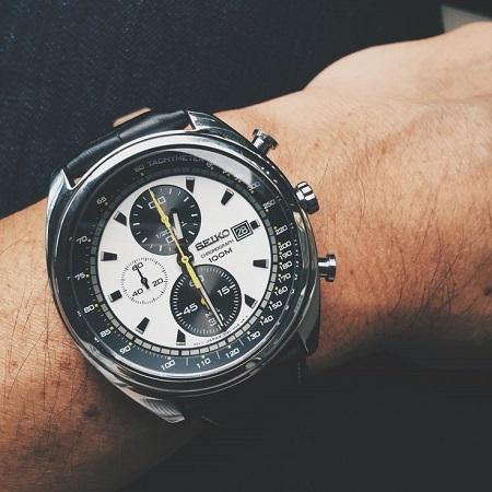 đồng hồ seiko chronograph 100m hoàn hảo 1